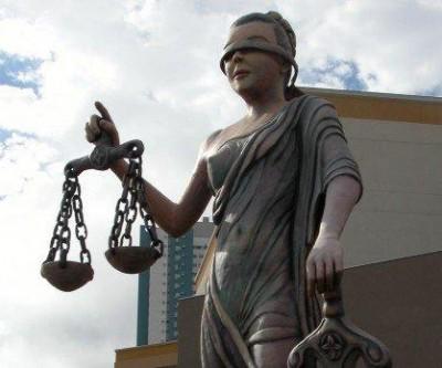 Justiça determina que prefeitura de MS reduza horário de trabalho de servidora com filha especial