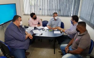Secretário de administração recebe vereadores para tratar sobre candidatos do Processo Seletivo considerados inaptos temporários