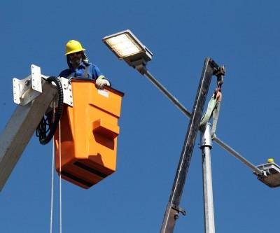 Prefeitura faz contrato temporário para manutenção da rede de iluminação pública