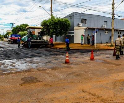 Prefeitura realiza recapeamento nas ruas Antônio Estevan Leal e Visconde de Tamandaré