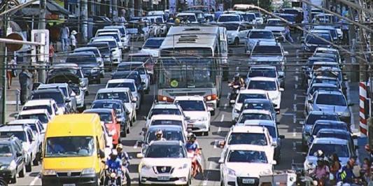 Licenciamento de veículos com placas 3 e 4 vence neste mês de junho