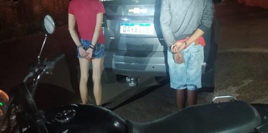 Casal rouba 10 lojas, vai 'comemorar' em motel e é preso em flagrante