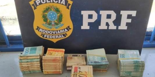 Motorista de ônibus e auxiliar são presos com cocaína e mais de R$ 45 mil na BR-262