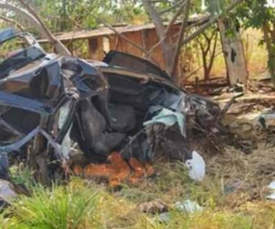 Motorista fica em estado grave após colidir carro contra árvore na MS-162
