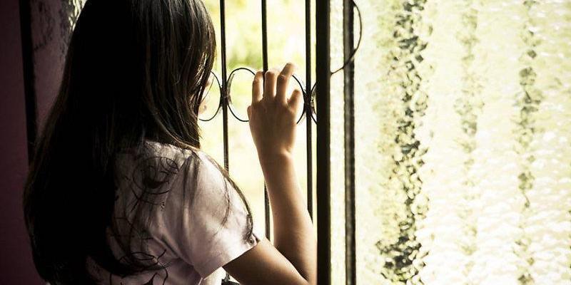 Após 7 anos, menina conta ter sido estuprada por veterinário em festa de casamento