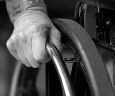 Campanha de Natal arrecada viola e cadeiras de rodas para idososCampanha de Natal