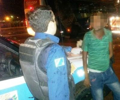 Policial evita assalto em ônibus interestadual que chegava a Três Lagoas
