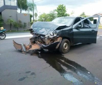 Moradores clamam por providências para reduzir acidentes em cruzamento