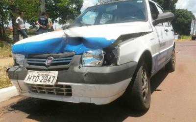 Fiat Uno da prefeitura se envolve em acidente no bairro Vila Alegre