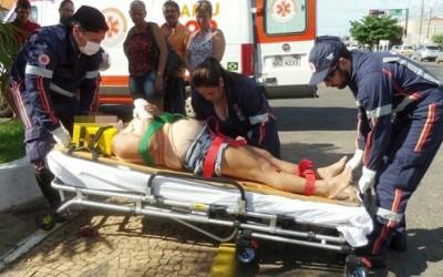 Acidente no centro mobiliza SAMU que resgata gestante ao Hospital Auxiliadora