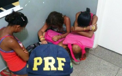 Criança e adolescentes que pediam carona na estrada são apreendidas pela P.R.F.