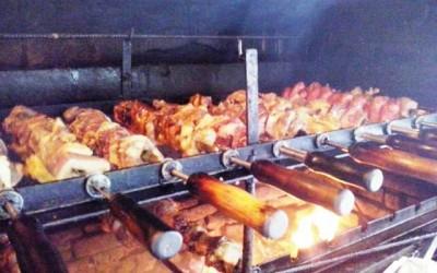 Almoce o melhor churrasco as quartas, sábados e domingos no Caipira Grill