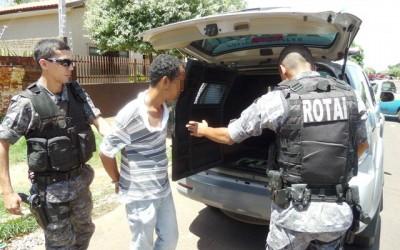 Andradinense que tentou furtar bolsa de esposa de policial é preso em flagrante