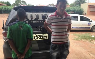 Carro furtado em Minas Gerais  é encontrado em residencial