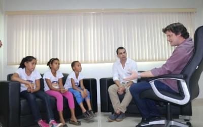 Presidente da Câmara  recebe crianças do projeto Comunidade Educa
