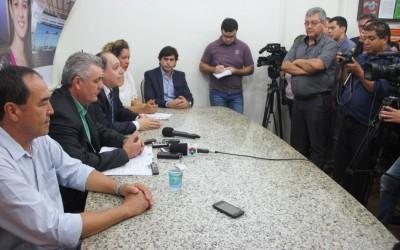 """""""Não tenho nada a esconder"""", diz Angelo Guerreiro em coletiva com a imprensa"""