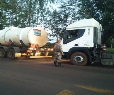 Policiais apreendem 1 tonelada de pescado e 303 kg de maconha em operação