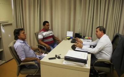 Deputado Eduardo Rocha recebe vereadores de Três Lagoas em seu gabinete
