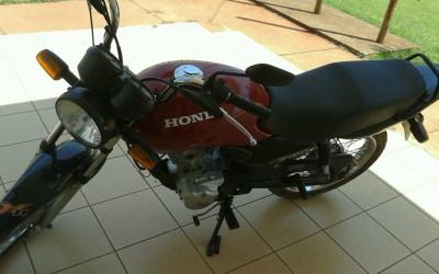 Moto furtada é encontrada abandonada no pátio da UFMS