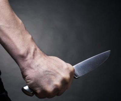 Homem dá 'de louco', invade residência e agride ex-mulher com faca