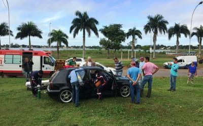 Após atravessar dois canteiros, jovem em Golf é resgatado pelo SAMU