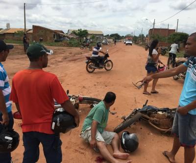 Duas equipes do SAMU resgatam vítimas de acidente no Vila Verde