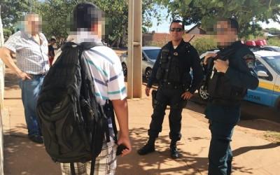 Estudante sofre tentativa de assalto ao deixar escola no Parque São Carlos
