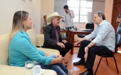 Prefeito viabiliza cerca de R$ 4,5 milhões com Senador e Deputada