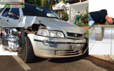 Menor que bateu carro e derrubou portão de residência dorme na delegacia
