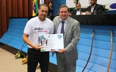 Deputado Eduardo Rocha participa de sessão solene em homenagem a capoeiristas