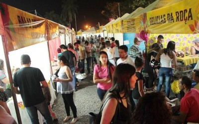 Variedade de produtos de artesanato valorizam Festa do Folclore