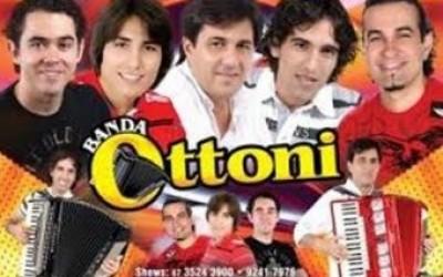 Hoje tem Danças, Capoeira, Folia de Reis, Duplas Sertanejas e Banda Ottoni na Festa do Folclore