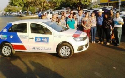 Veículo para pacientes de hemodiálise é entregue pelo Deputado Eduardo Rocha