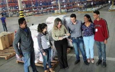Assistência Social recebe doação de travesseiros e edredons de indústria têxtil