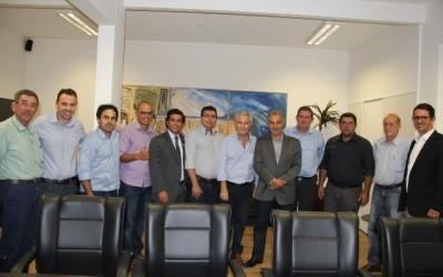 Deputado Eduardo Rocha acompanha agenda de prefeito de Cassilândia com governador