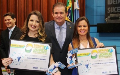 Deputado Eduardo Rocha homenageia publicitária e nutricionista em evento na ALMS