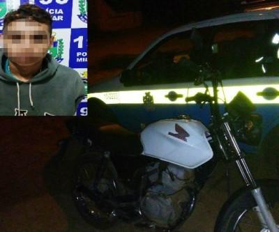 Após perseguição, menor é apreendido com moto furtada