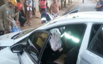 Acidente no Paranapungá deixa motorista ferido