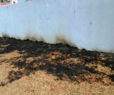 Em sua 15º invasão, vândalos atearam fogo dentro da Escola Luiz Lopes Carvalho
