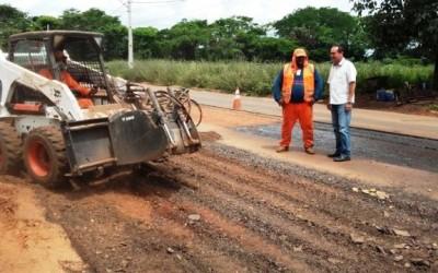 Empresas começam a recuperar via de acesso ao Bairro Jupiá em Três Lagoas