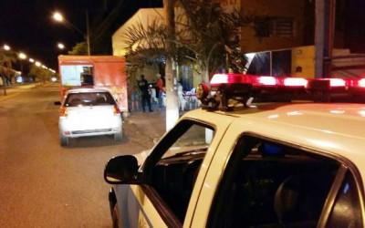 Após roubo, assaltante pede lanche em trailer e foge ao perceber aproximação da polícia