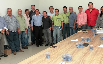 Vereadores reúnem-se com representantes de cooperativa de transporte