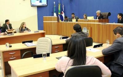 Vereadores criticam faltam de oportunidades de trabalho para três-lagoenses