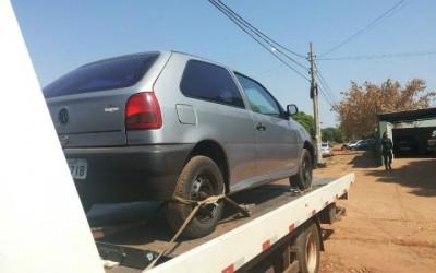 Veículo furtado na frente de universidade é encontrado pela Polícia Militar