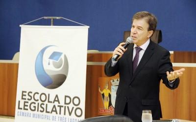 Corregedor do Ministério Público palestra sobre atividade parlamentar