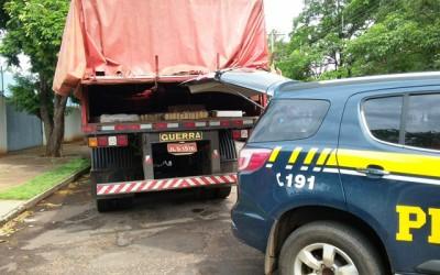 PRF apreende 250 Kg de maconha; motorista fugiu ao notar a presença da polícia