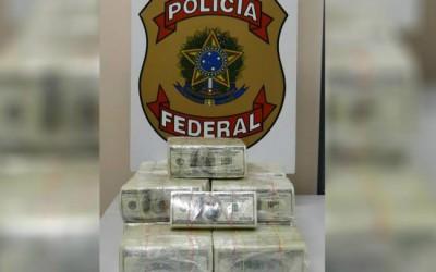 PF encontra 1,3 milhão de dólares em caminhonete e prende casal na BR-262
