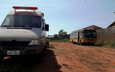 Veículos oficiais são abandonados em oficina a espera de ordem de serviço