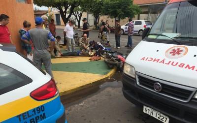 Jovem em Biz fica ferida em acidente no bairro Lapa