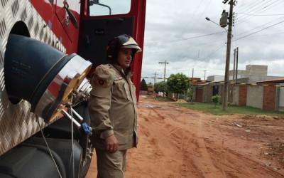 """Transformador """"pega fogo"""" e deixa moradores sem energia no Vila Nova"""